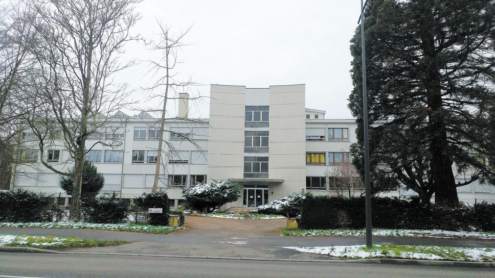 Photo camille garnier la maison des oblats de strasbourg où vit joannes rivoire se trouve en face dune cité universitaire le journal